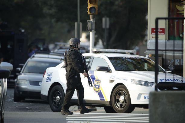 Useita poliiseja haavoittui Philadelphiassa sattuneessa ampumavälikohtauksessa.