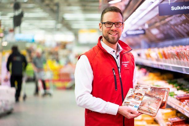 K-Citymarket Länsikeskuksen kauppias Juha Jyllin mukaan Naapurin Maalaiskanan tuotteet sopivat kaikille, erityisesti lapsiperheille.