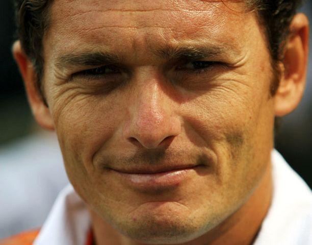 Giancarlo Fisichella toivoisi Ferrari-pestiä uransa päätökseksi.