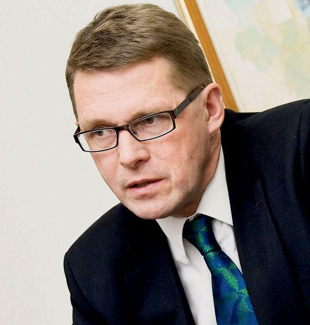 Pääministeri Matti Vanhanen myöntää, ettei pääkaupungin lämmittäminen onnistu pelkillä haloilla.