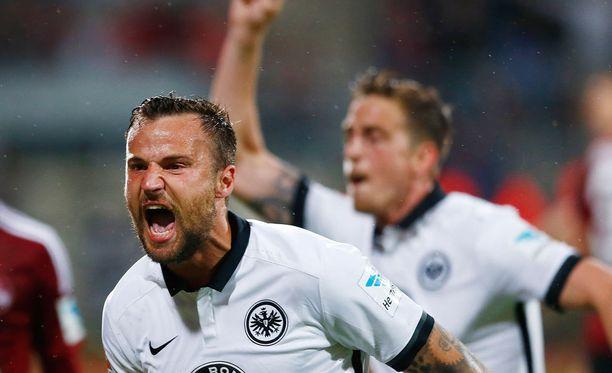 Haris Seferovic piti maalillaan Frankfurtin Bundesliigassa.