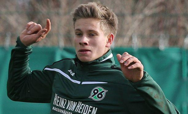 Niklas Feierabend on poissa.