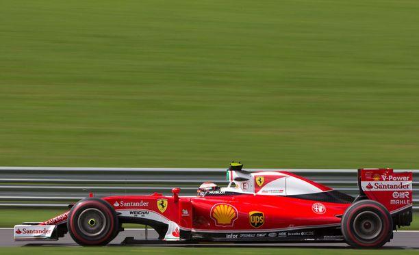 Kimi Räikkönen paahtoi huippuajan.