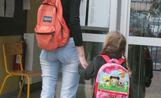 Vanhempainliiton mukaan koulun tulisi ottaa vanhempien huolet tosissaan.
