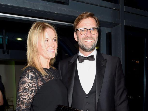 Liverpoolin fanit pitävän varmasti jatkossa arvossaan valmentaja Jürgen Kloppin lisäksi myös hänen vaimoaan, Ulla Sandrockia.