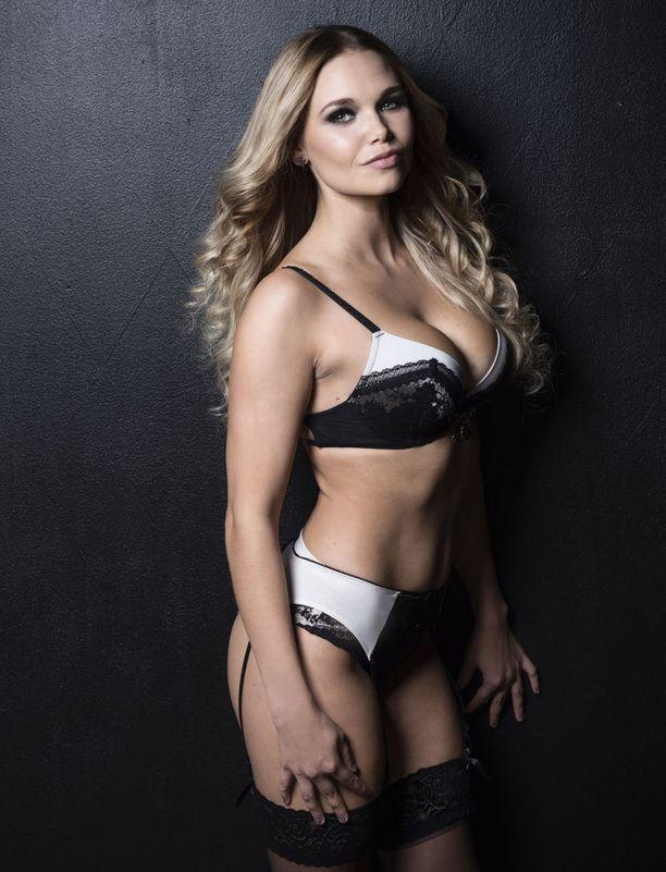 Karoliina Ala-Kantti, 170 cm/24 vuotta.