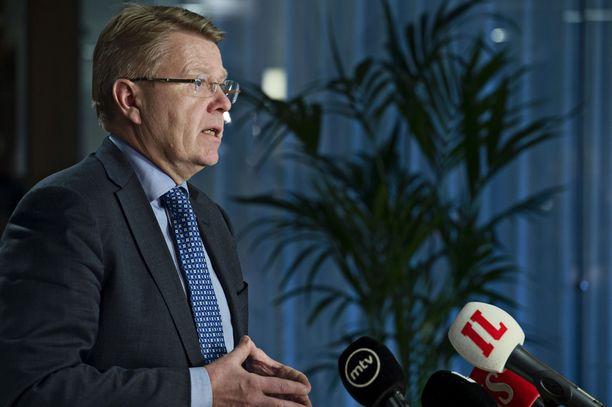 """EK:n toimitusjohtajan Jyri Häkämiehen mukaan yritykset odottivat hallitukselta budjettiriihestä """"terävämpiä työllisyyttä parantavia päätöksiä""""."""