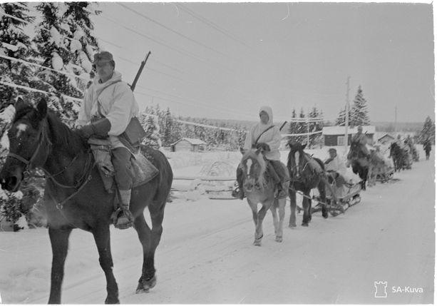 Ruotsalaisia vapaaehtoisia Rovaniemellä maaliskuussa 1940.