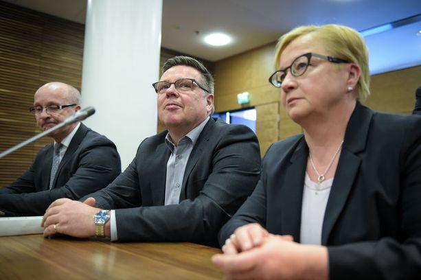 2016 hovioikeudessa käsiteltiin seurantalaiteyhtö Trevocia koskevaa kokonaisuutta. Oikealla Aarnion asianajaja Riitta Leppiniemi.