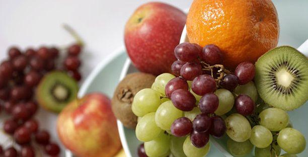 Ruotsin elintarvikeviraston suositusten mukaan kaikkien tulisi syödä päivittäin puoli kiloa hedelmiä tai vihanneksia päivässä.