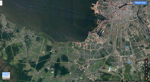 Satelliittikuvassa ensimmäisen Iljušin-koneen laskeutumispaikassa Novopoljen kylässä on vain sankkaa metsää.