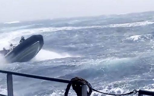 Video: Brittimerivoimien urhot keikkuivat kumiveneellä rajussa aallokossa – edes myrskytuuli ei pysäyttänyt