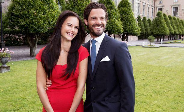 Ruotsin hovi kertoo nyt, millainen Sofian ja Carl Philipin hääpäivä on.