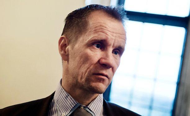 Mika Niikko (ps) järjestäisi pakkoruotsista kansanäänestyksen.