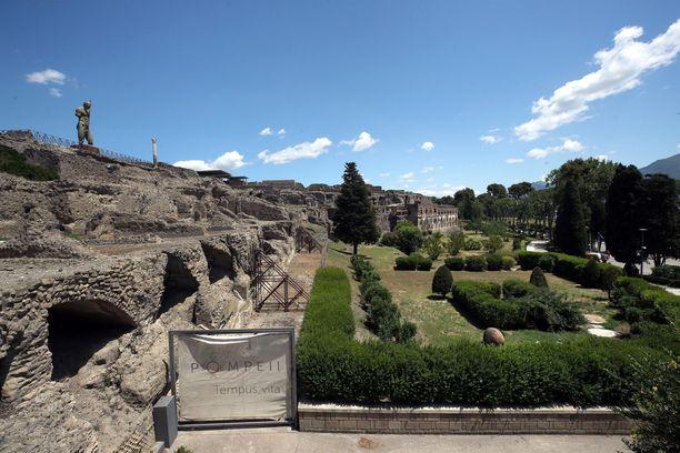 Pompejin rauniot ovat kiehtoneet matkailijoita vuosisatojen ajan.