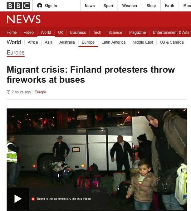 Lahdessa turvapaikanhakijoita oli vastassa häirikköjoukko. Uutinen on noteerattu myös ulkomailla.