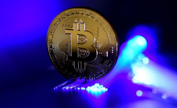 Yhden bitcoinin arvo on tällä hetkellä yli 5500 euroa.