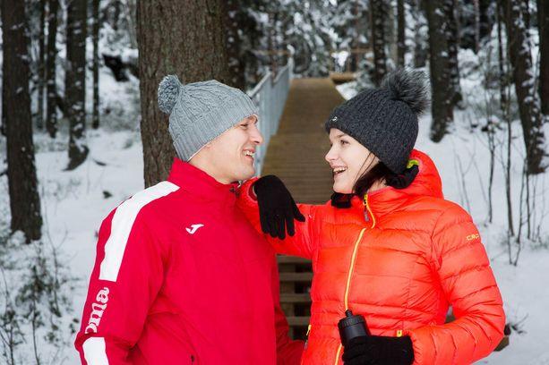 Amin Asikainen ja Nadia Ammouri pyrkivät treenaamaan viikossa yhdessä ainakin kaksi kertaa: kerran portaissa ja kerran tasavauhtisella juoksulenkillä.