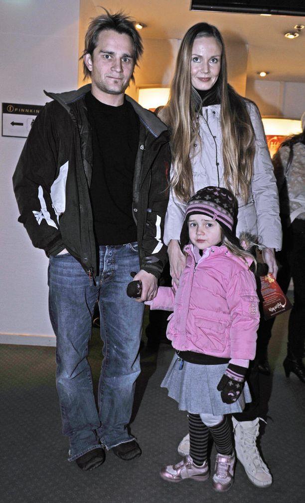 Pianisti Lenni-Kalle Taipale erosi Maria-vaimostaan huhtikuussa. 17 vuotta naimisissa olleella parilla on kolme yhteistä lasta. Kuva vuodelta 2009.