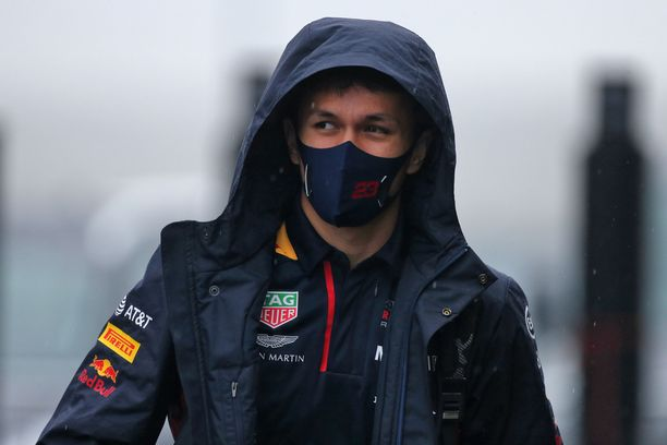 Alexander Albon ei ole pysynyt Max Verstappenin tahdissa.