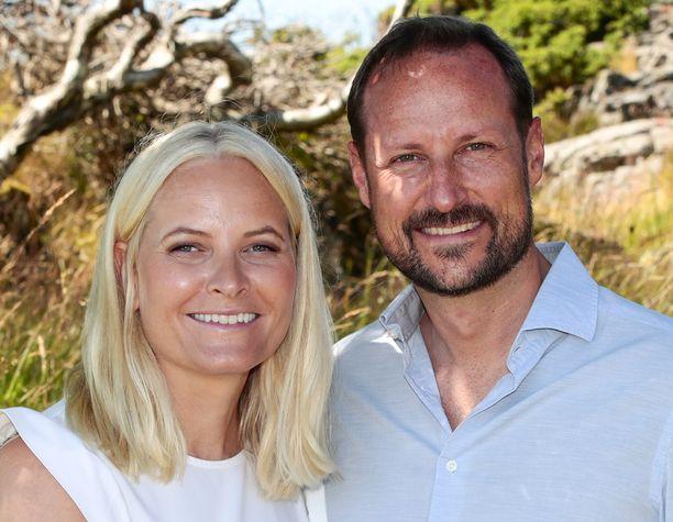 Mette-Marit ja Haakon ovat parhaillaan kesälomalla saaristossa.