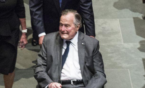 Yhdysvaltain ex-presidentin George H.W. Bushin terveys reistailee, kertovat amerikkalaismediat.
