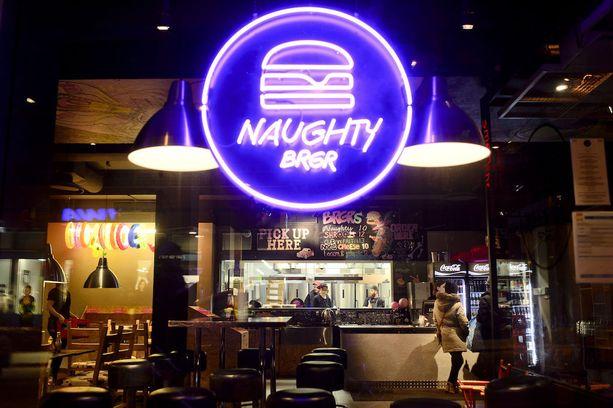 Naughty BRGR tarjoaa bloggarin mielestä Helsingin parhaat purilaiset.