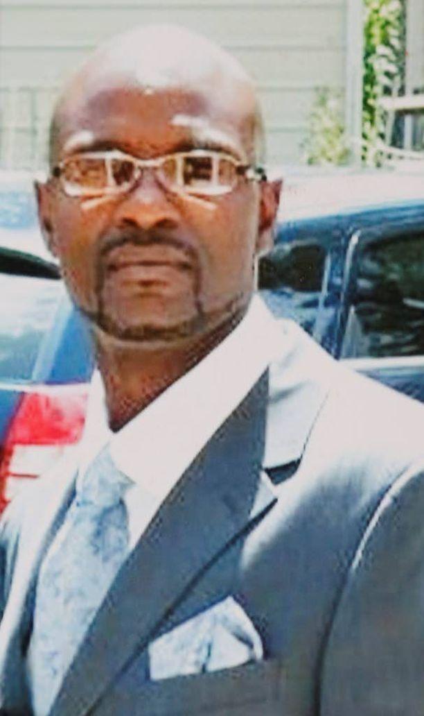 Linwood Lambert kuoli poliisin huostassa keväällä 2013. Oikeutta poliisia vastaan käydään nyt.