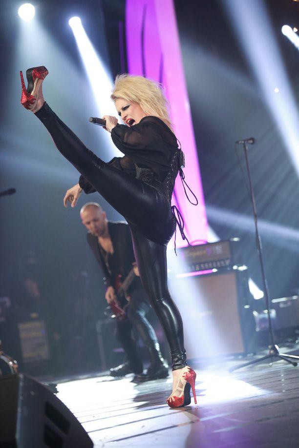 Laura Voutilainen räväytti hurjalla show'lla.