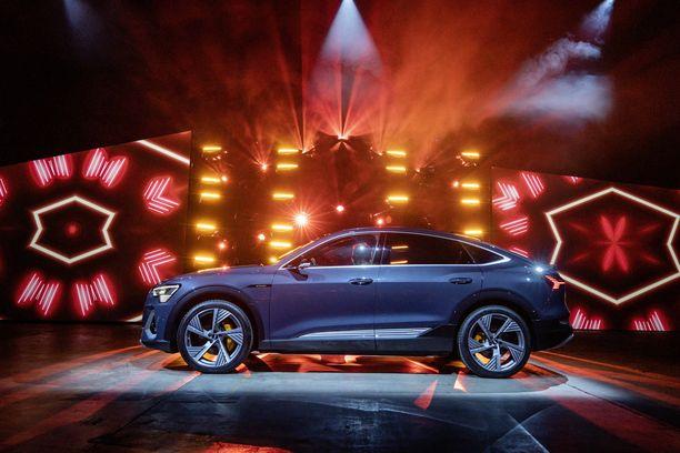 Audi e-tron Sportback sai maailman ensi-iltansa Los Angelesissa.