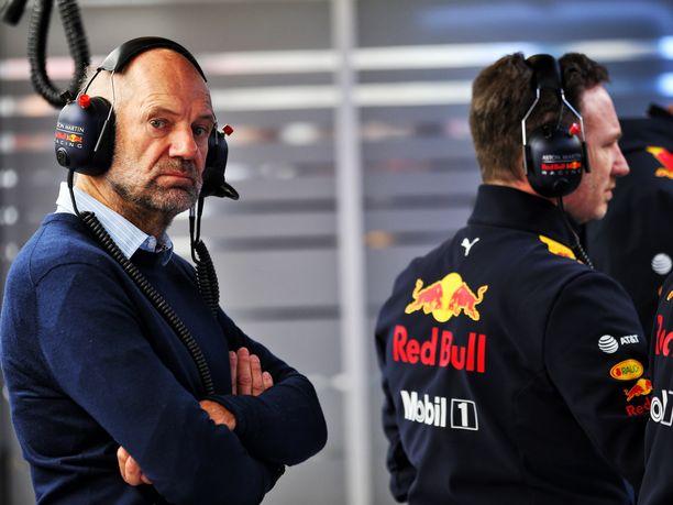 Adrian Neweyn autot ovat yleensä olleet suunnittelultaan F1-sarjan parhaimmistoa. Jyrki Järvilehdon mukaan tämän kauden RB15:ssä riittää kuitenkin vielä hiomista.