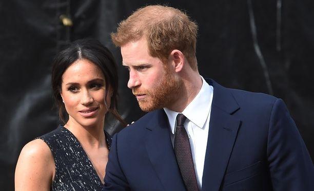 Meghan Marklen ja prinssi Harryn häitä on edeltänyt skandaaleja, sillä Marklen suvun jäsenet ovat vuorotellen suomineet morsianta julkisuudessa.