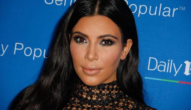 Kim Kardashian tietää, mistä hänen seuraajansa tykkäävät.