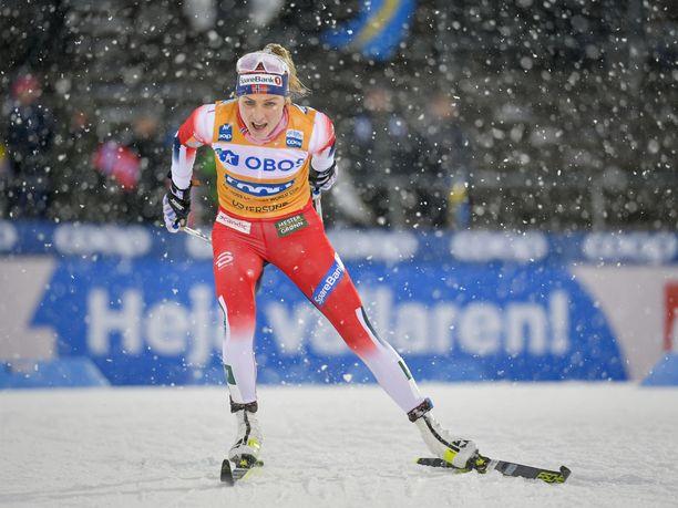 Therese Johaug porskuttaa sekä Ski Tourin että maailmancupin kärjessä.