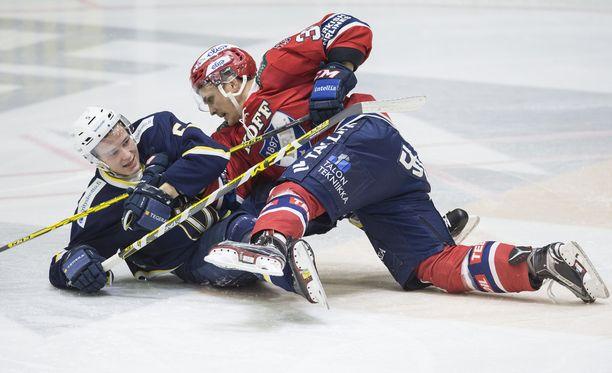 HIFK kompuroi Bluesin kanssa perjantaina ja lauantaina - mutta otti kaikki kuusi pistettä.