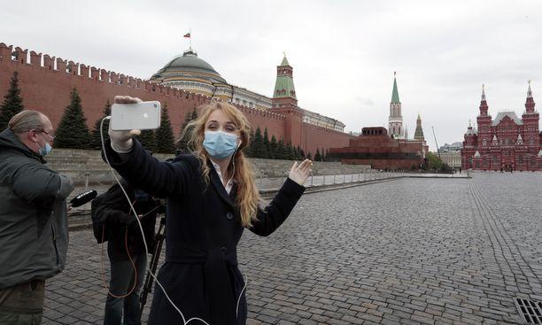Maskivelvoite säilyy edelleen Moskovassa.