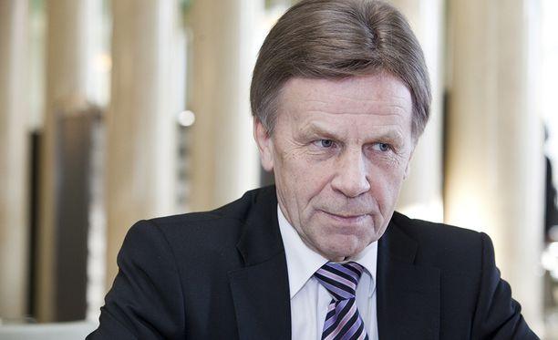 """Työryhmän puheenjohtaja, kansanedustaja Mauri Pekkarinen (kesk) sanoi Ylen A-studiolle tiistai-iltana, että ryhmä on saavuttanut """"aika pitkälle"""" yhteisymmärryksen niistä kriteereistä, joita se käytettää, kun tukien mielekkyyttä lopulta arvioidaan."""