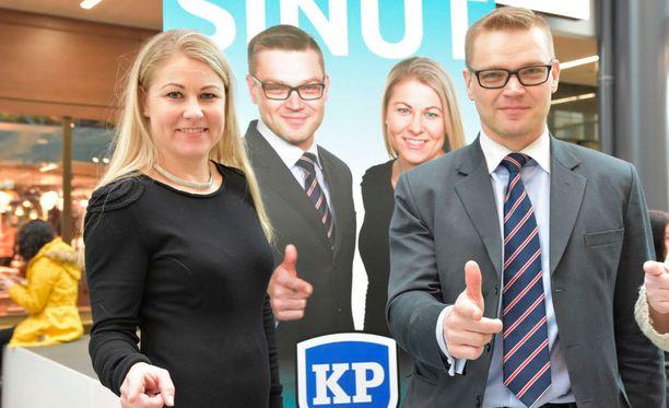 Väärinkäytökset ovat tapahtuneet muun muassa presidentinvaalien yhteydessä, väittävät kansalaispuolueen Piia Kattelus ja Sami Kilpeläinen, jotka erottivat Väyrysen puolueesta osana sen hallitusta.