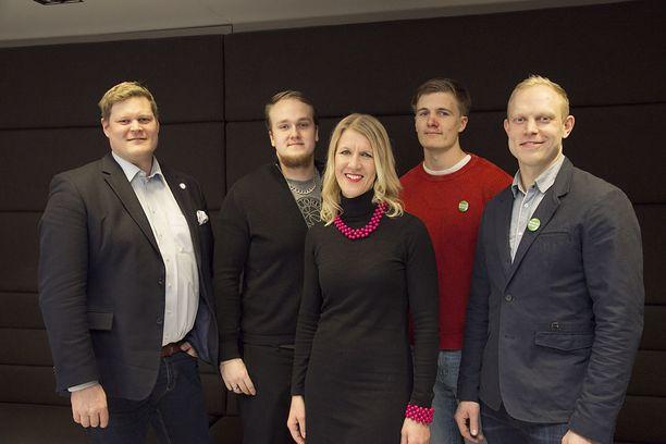 Suomen Monetan urheilijatiimin jäseniä ovat tai ovat olleet muun muassa Olli-Pekka Karjalainen (vas.), Aleksi Jaakkola, Sari Multala, Oliver Helander ja Pekka Koskela.