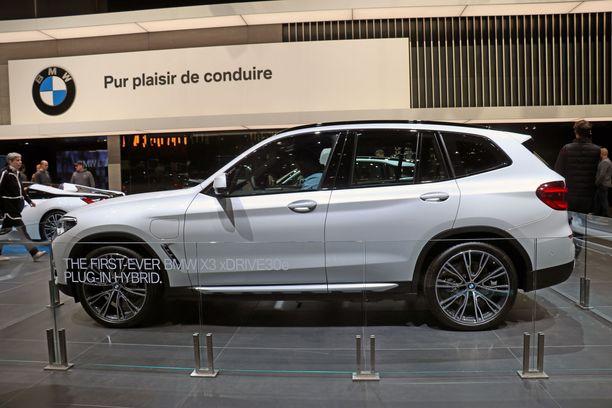BMW X3:n saa pian myös ladattavana hybridinä.