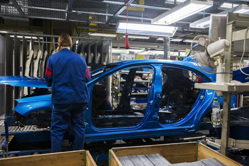 """Työntekijälle rajuja oireita Valmet Automotiven kahvimaidosta - Myrkkyä ei epäillä: """"Ylittänyt uutiskynnyksen isompana asiana kuin mitä todellisuudessa on"""""""