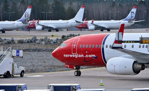 Norwegian ilmoitti heti torstaina muuttavansa lentoturvallisuuskäytäntöjään.