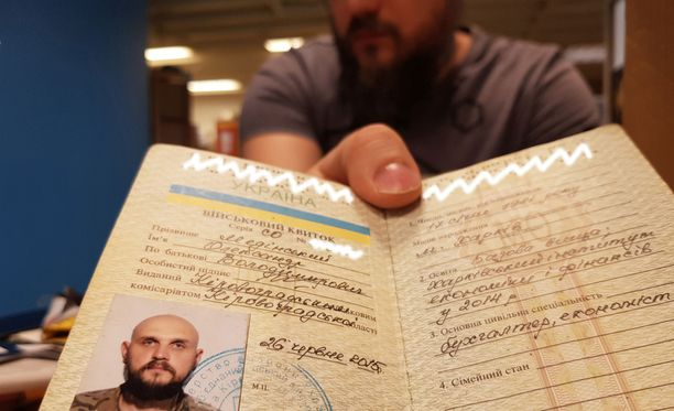 Ukrainan armeijan erikoisjoukkojen ex-sotilas Aleksander Medinski hakee turvapaikkaa Suomesta.