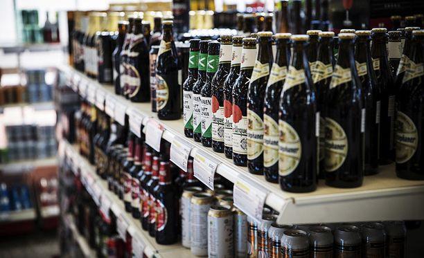 Ensi vuonna ruokakaupoista saa 5,5-prosenttisia oluita, siidereitä ja lonkeroita. Aiemmin raja on ollut 4,7 prosenttia.