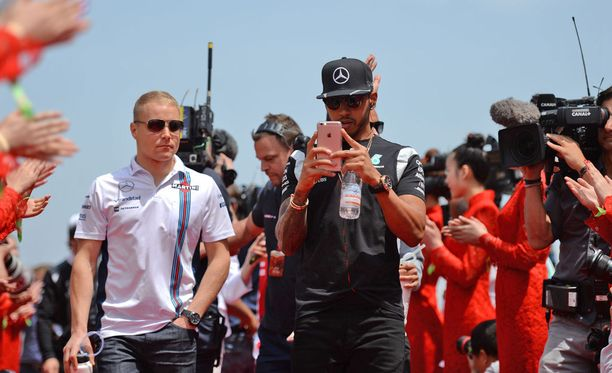 Lewis Hamilton uskoo tulevansa hyvin toimeen Valtteri Bottaksen kanssa.