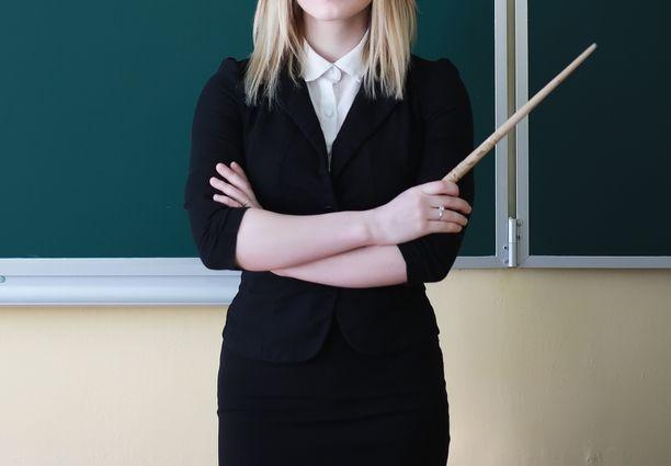 Alakoulun opettaja sai tuomion törkeästä lapsen seksuaalisesta hyväksikäytöstä. Kuvituskuva.