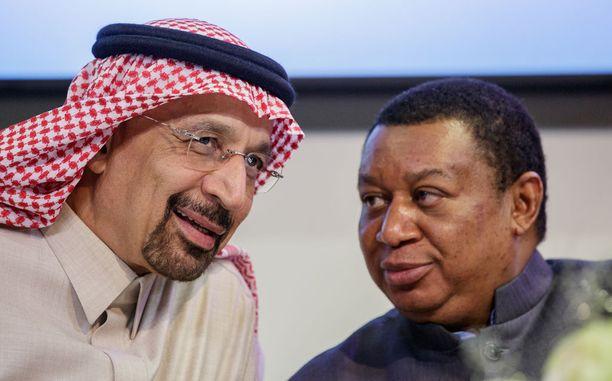 Saudi Arabian energiaministeri Khalid Al-Falih ja Opecin pääsihteeri Mohammed Barkindo Opecin Wienin kokouksessa marraskuussa 2017.
