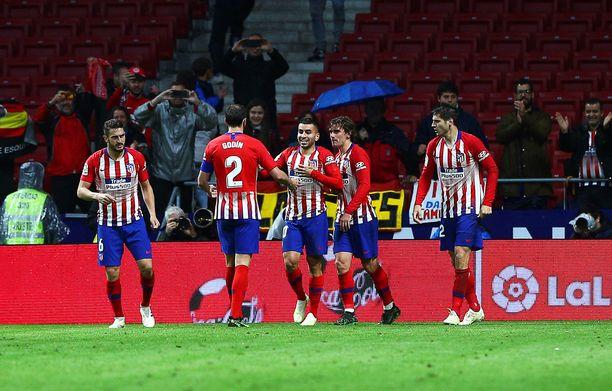Atletico Madridin seitinohut mestaruussauma pysyi vielä elossa.