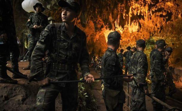 Thaimaan luolapelastuksesta on tehty pikavauhtia dokumentti.