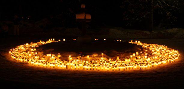 Jouluaatto hautausmaalla.